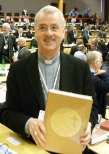 Mgr Aubertin, évêque de Tour, présente le nouveau lectionnaire !