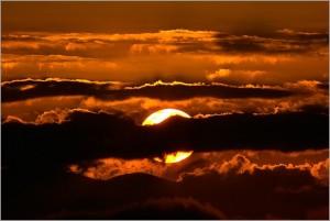 Derrière les nuages, le Soleil nous attend...
